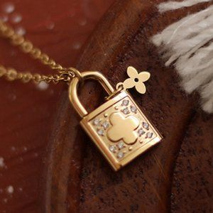 NEW 18K Gold Plated Diamond Clover Lock Necklace